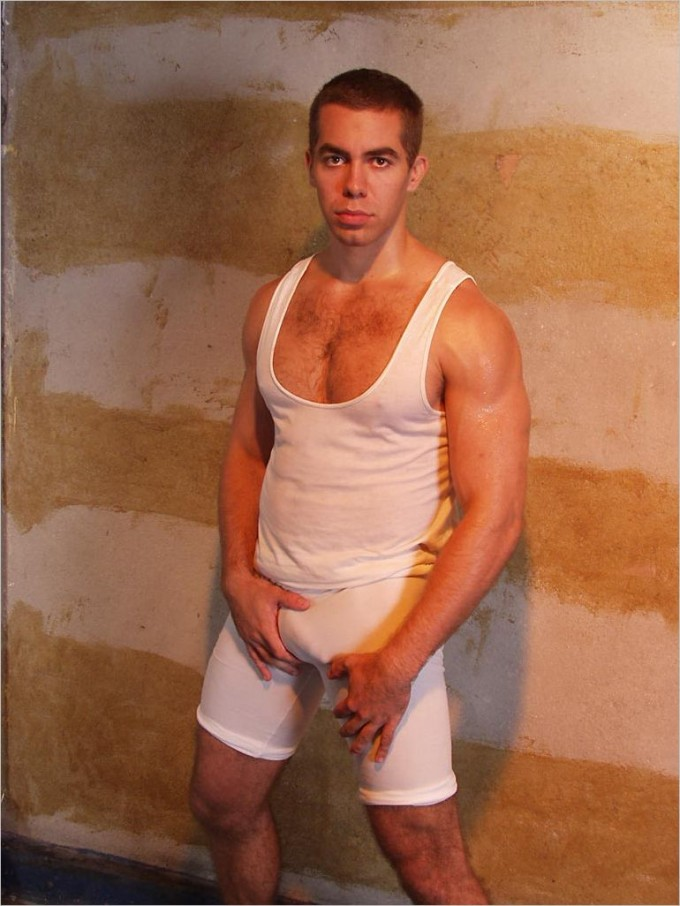 beau mec musclé gay massage sensuel amateur